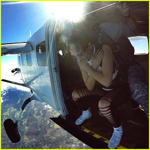 Daya Went Skydiving In Hawaii & Is Officially Our Hero