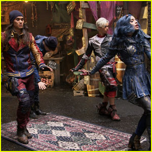 Disney Channel Shares 'Descendants 2' First Behind-the-Scenes Photos!