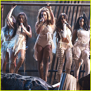VIDEO: Fifth Harmony Win & Perform 'That's My Girl' at AMAs 2016