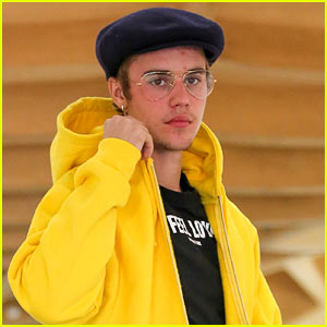 Justin Bieber Spends His Day Off with Fans