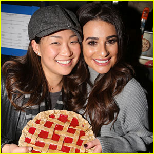 Lea Michele & Jenna Ushkowitz Meet Up for 'Waitress' on Broadway!