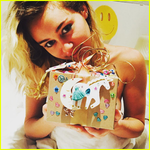 Liam Hemsworth Pens Sweet Note For Miley Cyrus' Birthday!