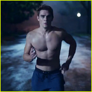 VIDEO: Watch First Promo for CW's Hot New Drama 'Riverdale'!