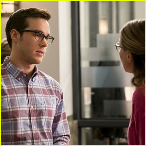 James is Jealous of Mon-El on Tonight's 'Supergirl'