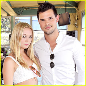 Taylor Lautner & Billie Lourd Are Ready for a Job at Target!