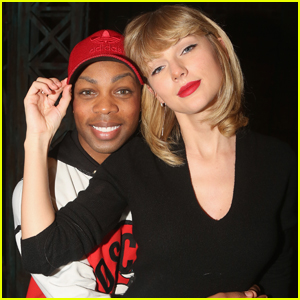 VIDEO: Taylor Swift & Todrick Hall Sing 'Little Mermaid' During Thanksgiving Celebration