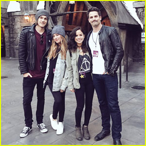 Ashley Tisdale Hangs Out at the Wizarding World of Harry Potter!