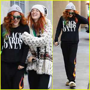 Bella Thorne Spends Christmas Eve with Her Sister!