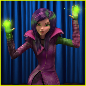 VIDEO: Dove Cameron Sings New 'Descendants: Wicked World' Song