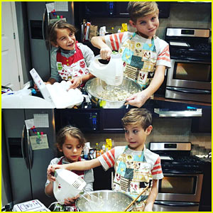 Jacob Tremblay is Baking Up a Holiday Mess!
