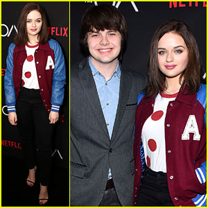 VIDEO: Joey King Was Zach Braff's 'Little Muse' in New Comedy 'Going in Style'