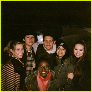 'Riverdale' Cast Gets Cozy in Vancouver!