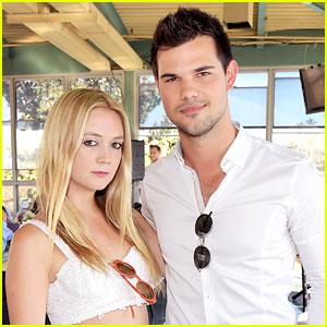 Taylor Lautner Sends Support to Rumored Girlfriend Billie Lourd After Her Mom Dies