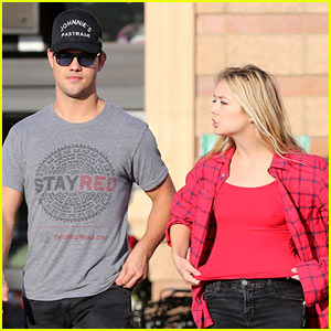 Scream Queens' Taylor Lautner & Billie Lourd Go Shopping After Their Real-Life Smooch!