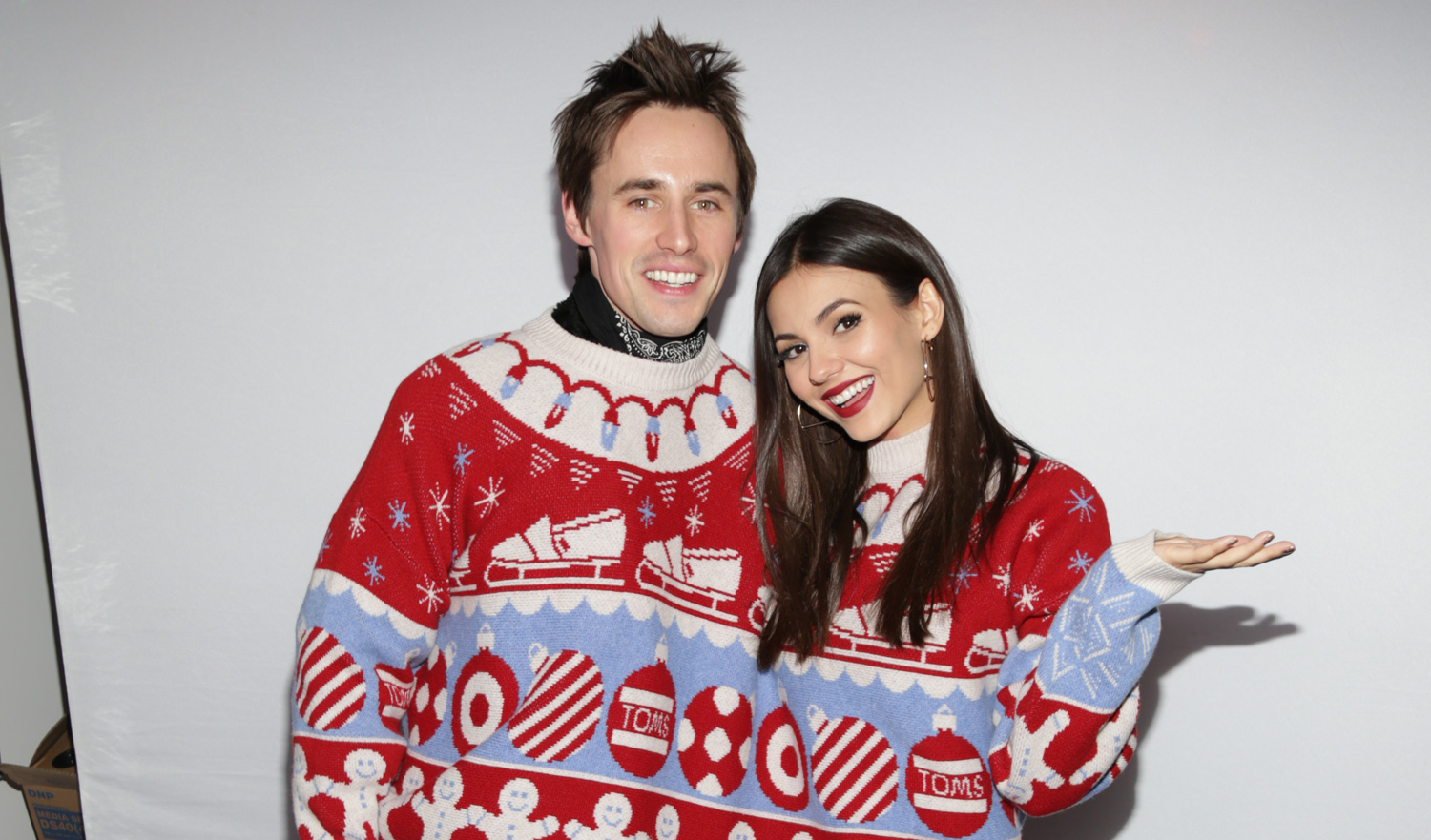 China mcclain breaking news and photos just jared jr page 5 - Victoria Justice Boyfriend Reeve Carney Took The Cutest Photo Booth Pics At Just Jared S Holiday Party