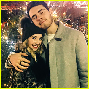 VIDEO: Zoella & Boyfriend Alfie Deyes Sing Christmas Carol in New Vlogmas Vid!