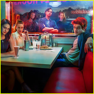5 Reasons To Watch 'Riverdale' This Thursday