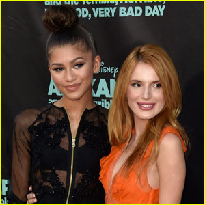 Bella Thorne & Zendaya Hung Out Together at the Women's March!