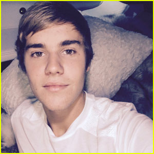 Justin Bieber's Famous Haircut is Back!