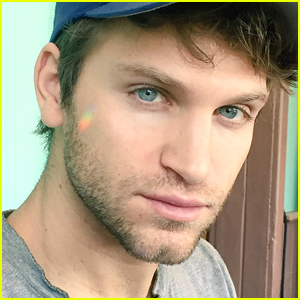 'Pretty Little Liars' Star Keegan Allen Announces His ...