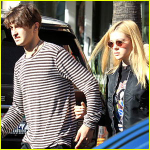Nicola Peltz Posts Sweet New Pic with Anwar Hadid!
