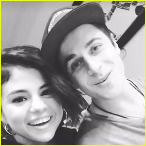 VIDEO: Selena Gomez's 'Wizards' Co-Star David Henrie Helps Her Post First Instagram Story!