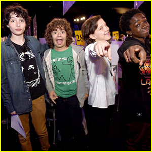 'Stranger Things' Cast Gets Ready for SAG Awards