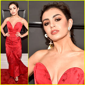 Charli XCX Wears Safety Pin Earrings to the Grammys 2017!