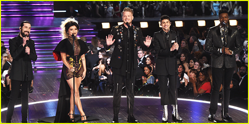 Pentatonix Perform Jackson 5's 'ABC' at Grammys 2017!