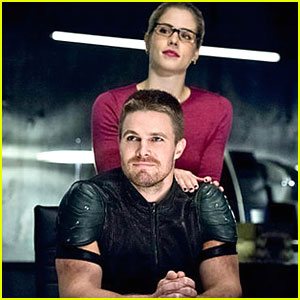 Stephen Amell Says 'Olicity' Have Some 'Really Cool Stuff' Coming Up on 'Arrow'