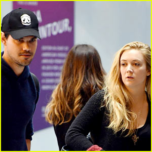 Taylor Lautner & Billie Lourd Want to Walk in Paris Fashion Week Show