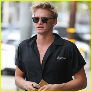Cody Simpson Goes Shirtless in New Video!