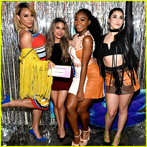Fifth Harmony Pick Up Two Blimps at KCAs 2017!