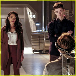 Iris is Wearing Her Engagement Ring in Tonight's 'The Flash' Photos