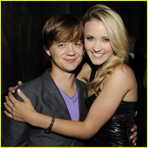 'Hannah Montana' Stars Emily Osment & Jason Earles Have Surprise Mini-Reunion!