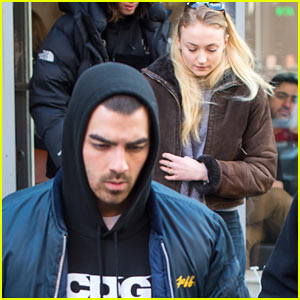 Joe Jonas & Girlfriend Sophie Turner Step Out Together in NYC!