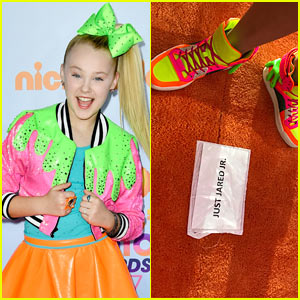 JoJo Siwa Wears Slime-Inspired Outfit to KCAs 2017!