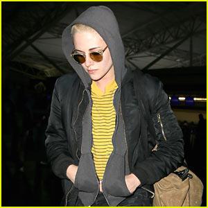 Kristen Stewart Arrives in Style in New York City