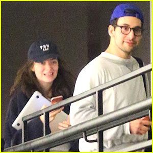 Lorde & Jack Antonoff Hang Out After 'SNL' Performance