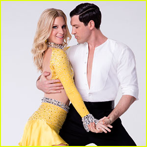 Maksim Chmerkovskiy Hurt His Leg & Won't Perform on 'DWTS' Tonight