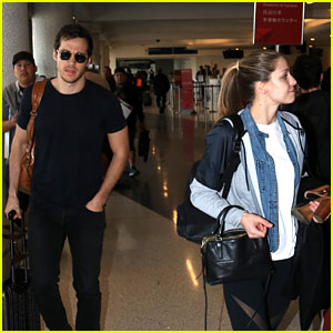 'Supergirl' Stars Chris Wood & Melissa Benoist Fly Out of Town Together
