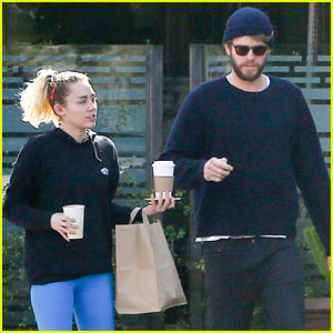 Miley Cyrus & Liam Hemsworth Did Not Get Married in THAT Photo, Her Parents Confirmed