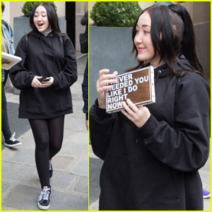 You Won't Expect Who Noah Cyrus Says Is the Best Singer in Her Family!