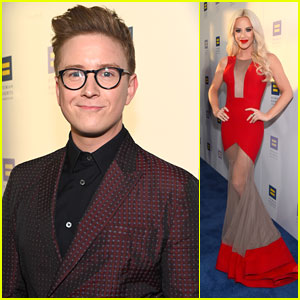 Tyler Oakley Suits Up Sharp For 'Inspiring' Human Rights Celebration Dinner