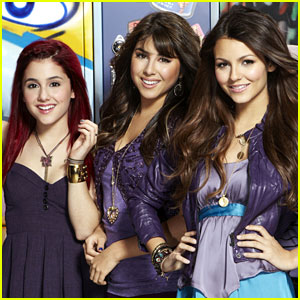 Ariana Grande & Victoria Justice Celebrate 7 Years Since 'Victorious'