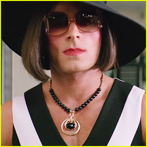 Zac Efron Dresses as a Woman for 'Baywatch' Undercover Mission - New Trailer!