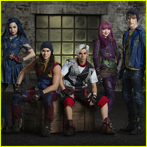 'Descendants 2' Stars Premiere 'Ways To Be Wicked' Music Video - Watch Now!