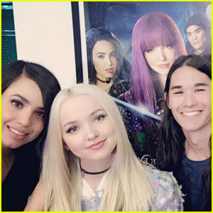 Dove Cameron & Sofia Carson: The 'Descendants' Cast is Obsessed With Each Other (Video)