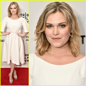 Eliza Taylor Premieres New Flick 'Thumper' at Tribeca Film Festival
