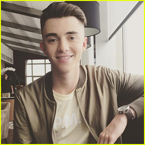 Greyson Chance Will Sing 'Hungry Eyes' On 'Dirty Dancing' TV Special Soundtrack!